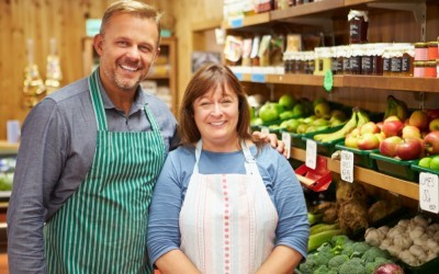 Retaining retail staff using bonus schemes